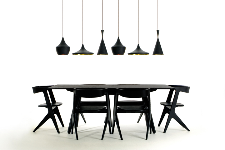 slab-table-and-chairs-with-beat-lights