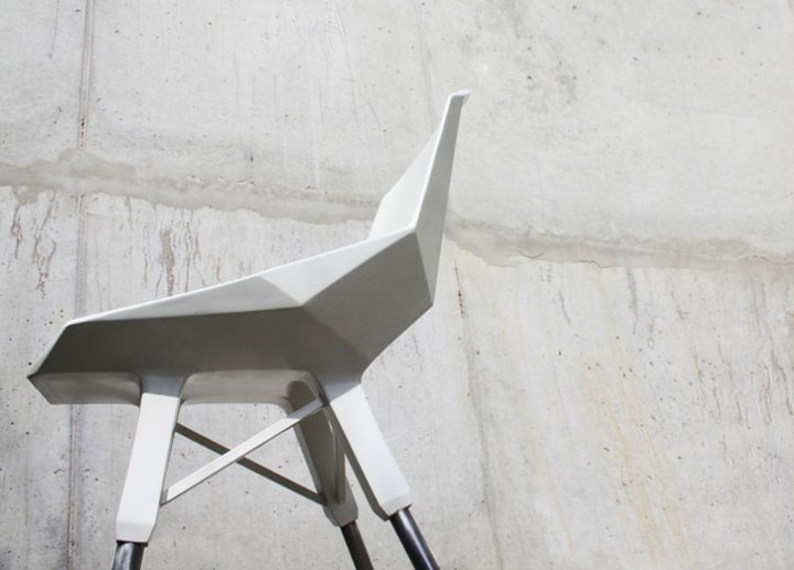 lockheed-chair_by_Valentin_Sollier_and_Benjamin_Riot