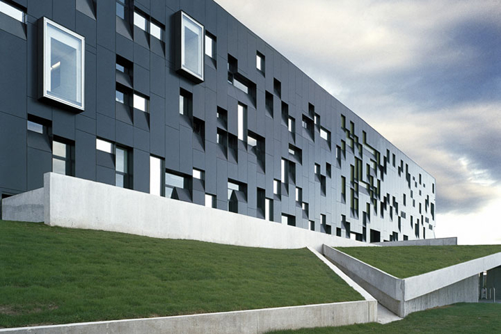 Saucier + Perrotte architectes /// winner of RAIC 2009-Architectural Firm / photo: Olivier Blouin